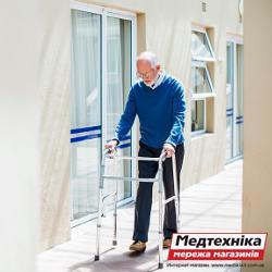 Ходунки для инвалидов: надежное «плечо» для больного