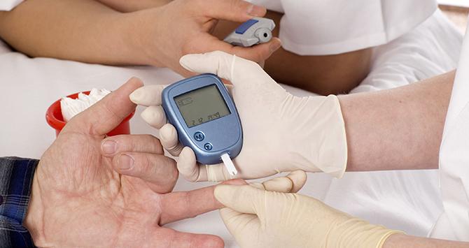 полоски к глюкометру, сколько стоят тест полоски для глюкометра, тест полоски для определения сахара в крови